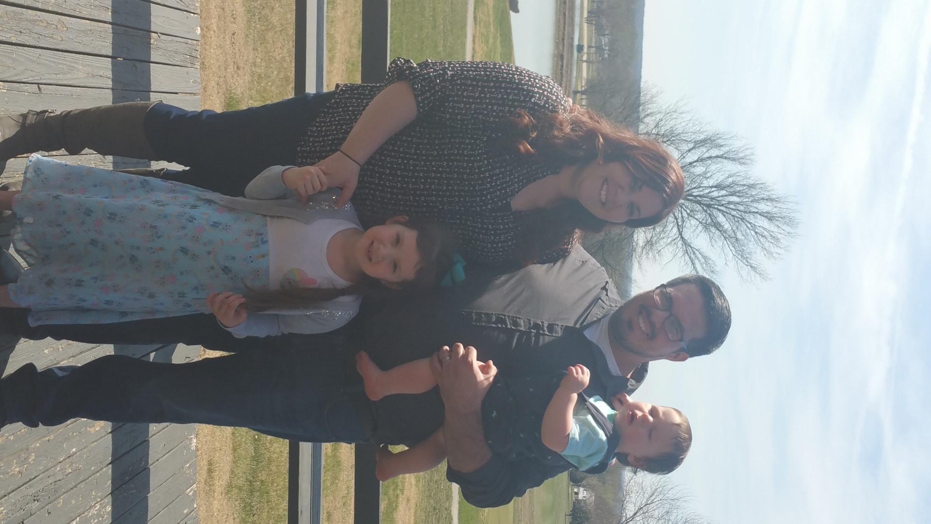 sl-iola-toby-family